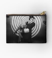 dark cabaret no.2 Studio Clutch
