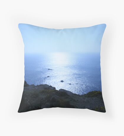 stepping stones the rocks of the sea Throw Pillow