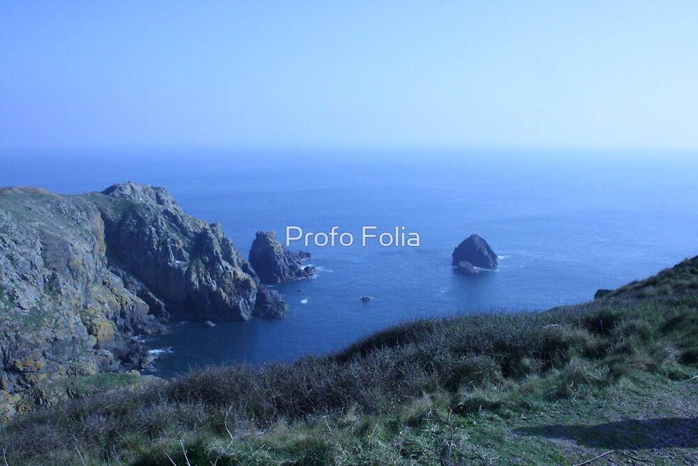 The sky meets the sea by Profo Folia