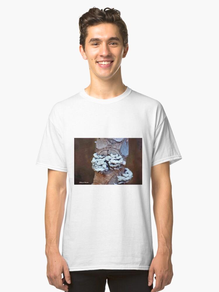 TROPICAL CINNEBAR BRACKETI Classic T-Shirt Front