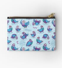 Funny pigeons Studio Pouch