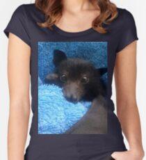 Baby Bat Cruz In Blau. Tailliertes Rundhals-Shirt