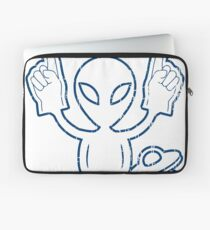 THIS ALIEN LOVES THE COLTS - ALIEN CHEERING THE COLTS DISTRESSED DESIGN Laptop Sleeve