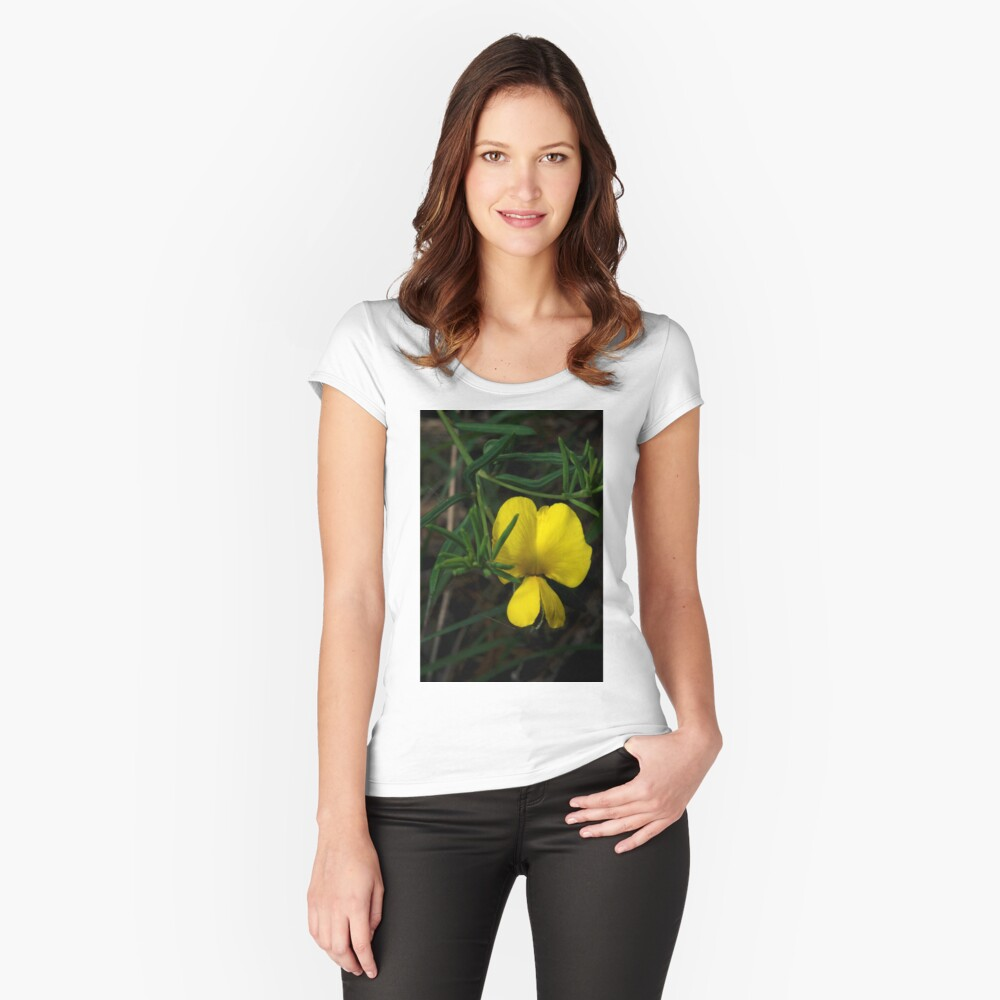 Common Wedge Pea Women's Fitted Scoop T-Shirt Front