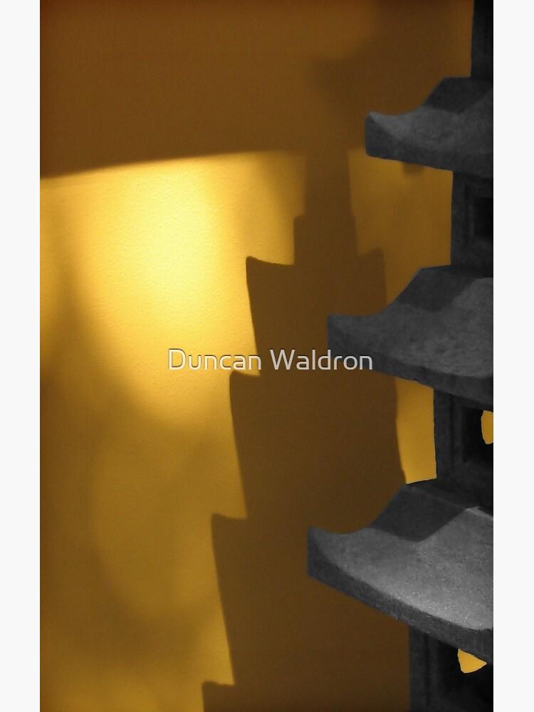 Shadow glow by DuncanW