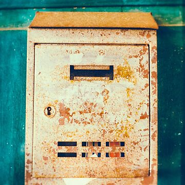 Rusty mailbox by sil63