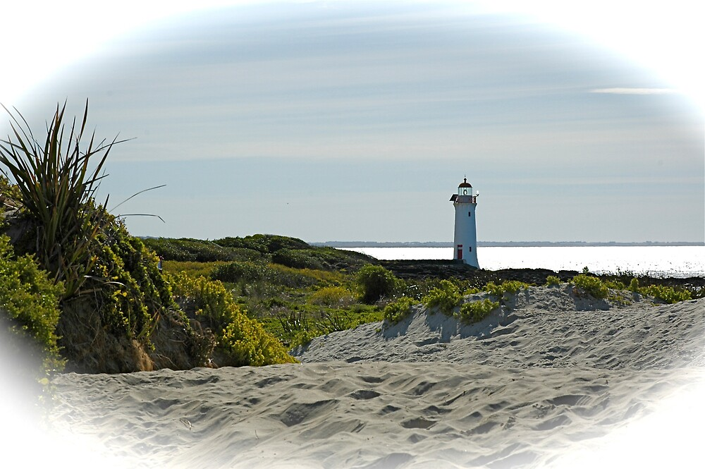 Port Fairy Lighthouse by Roslyn Slater
