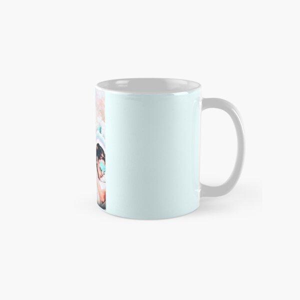 AUDREY HEPBURN BREAKFAST AT TIFFANYS x queen collage Classic Mug