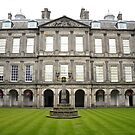 The quadrangle, Holyrood Palace. by Finbarr Reilly