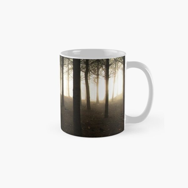 Alone in the forest Mug classique