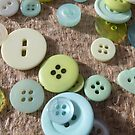 Button Green Two by knoppie