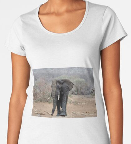 THE LONELY BUL -  THE AFRICAN ELEPHANT – Loxodonta africana Women's Premium T-Shirt