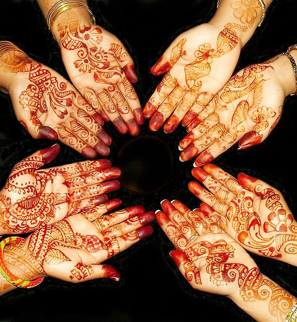 The Art Of Henna Body Painting  by Mukesh Srivastava