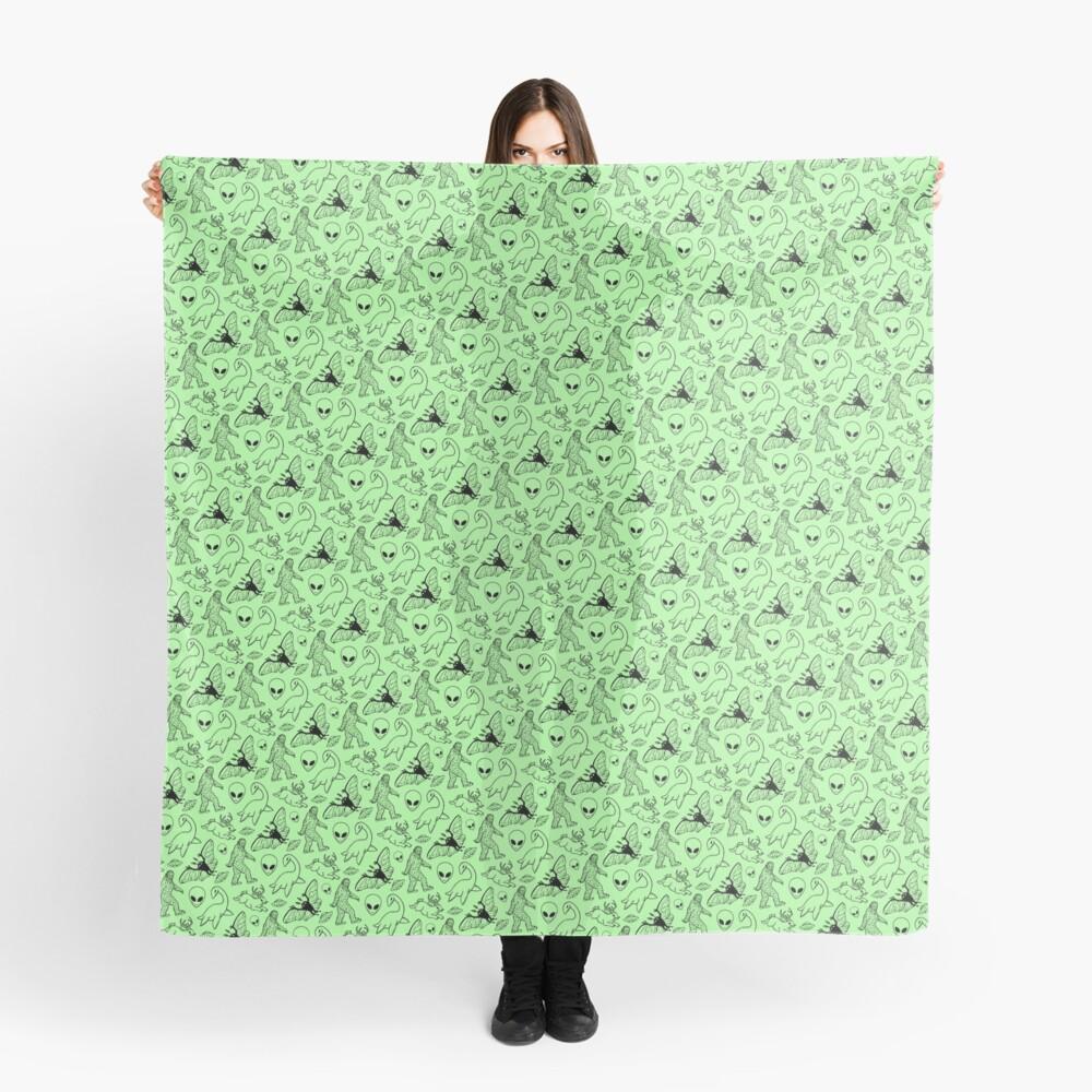 Cryptid-Muster (grüner Hintergrund) Tuch