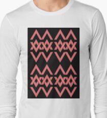 new triangle pattern Long Sleeve T-Shirt