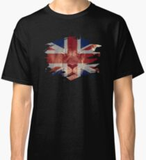 United Kingdom Flag & African Lion Picture   British Pride T Shirt Classic T-Shirt