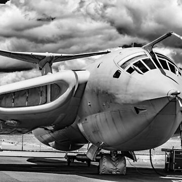 Handley-Page Victor K2 Lusty Lindy monchrome by capney