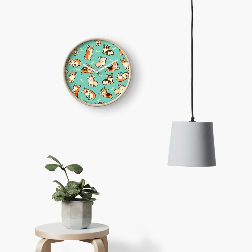 Jolly Corgis in grün Uhr
