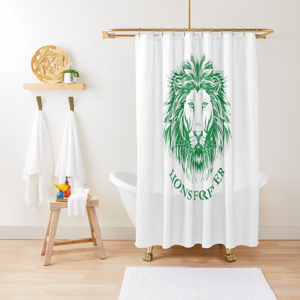 Lions Forever (Grün auf Weiß) Duschvorhang