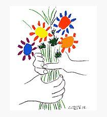 Pablo Picasso Blumenstrauß des Friedens 1958 (Blumenstrauß mit den Händen), T-Shirt, Artwork Fotodruck
