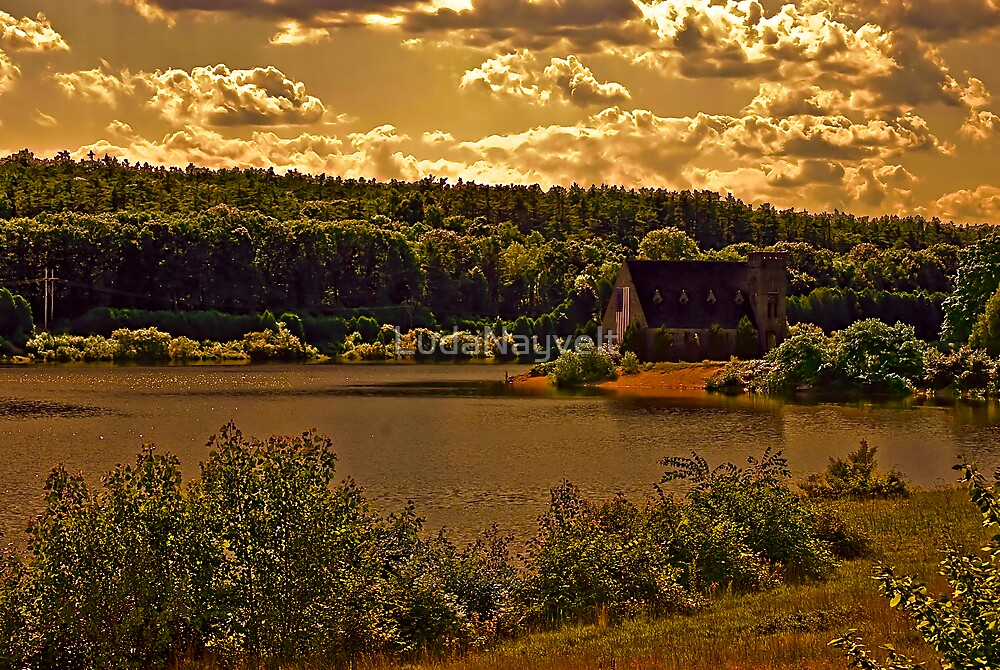 Wachusett Reservoir by LudaNayvelt