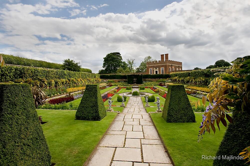 Formal gardens at Hampton Court by Richard Majlinder