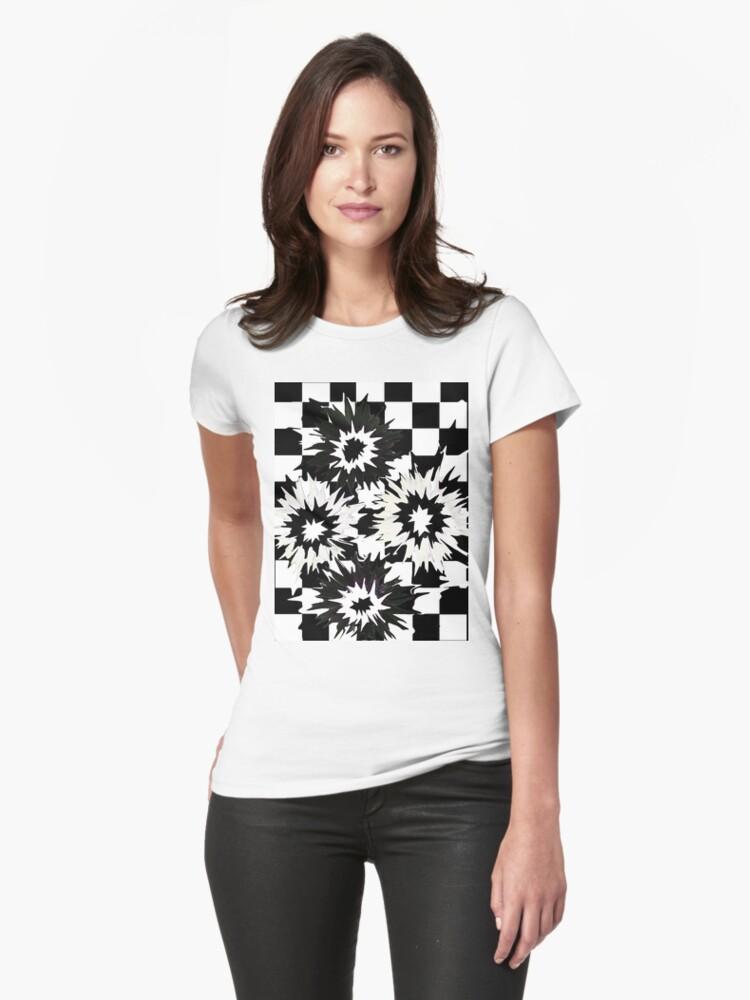 Daisy Do's T-Shirt by Beverley  Johnston