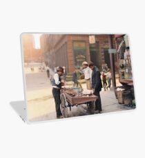 Clam seller on Mulberry Bend, New York, ca 1900 Laptop Skin