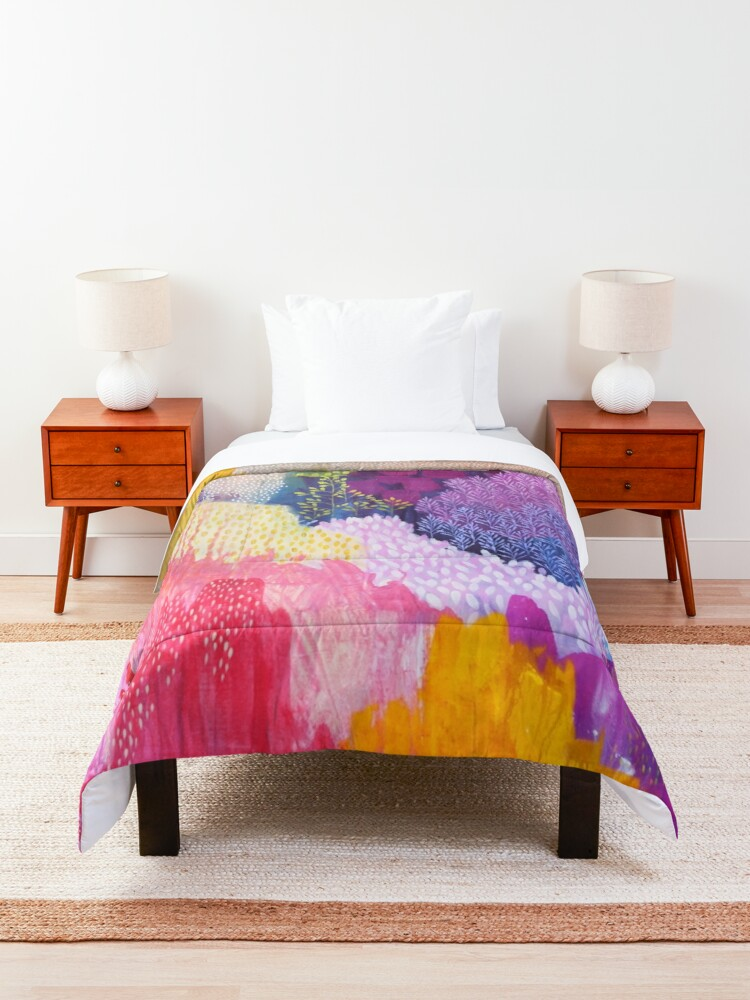 Alternate view of Summer Haze Comforter