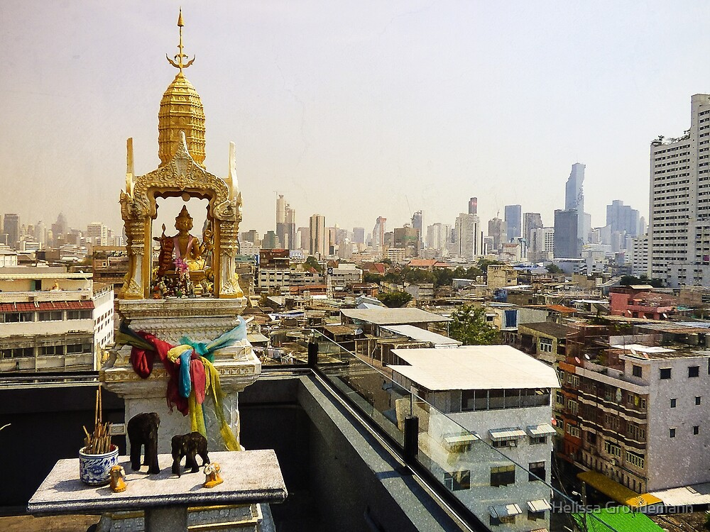 Beautiful Spirit house in Bangkok by Helissa Grundemann