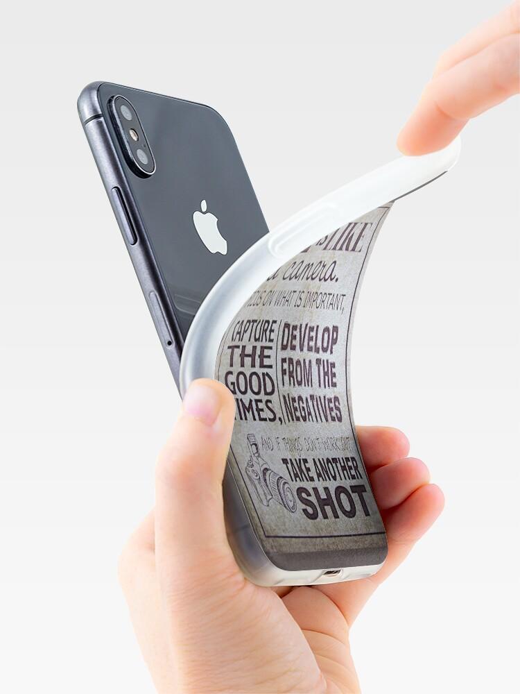 """Alternative Ansicht von """"Das Leben ist wie eine Kamera"""" iPhone-Hülle & Cover"""