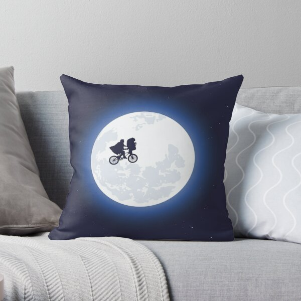 ET the extraterrestrial Throw Pillow