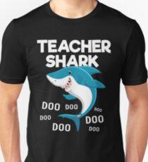 Teacher Shark doo doo doo Unisex T-Shirt