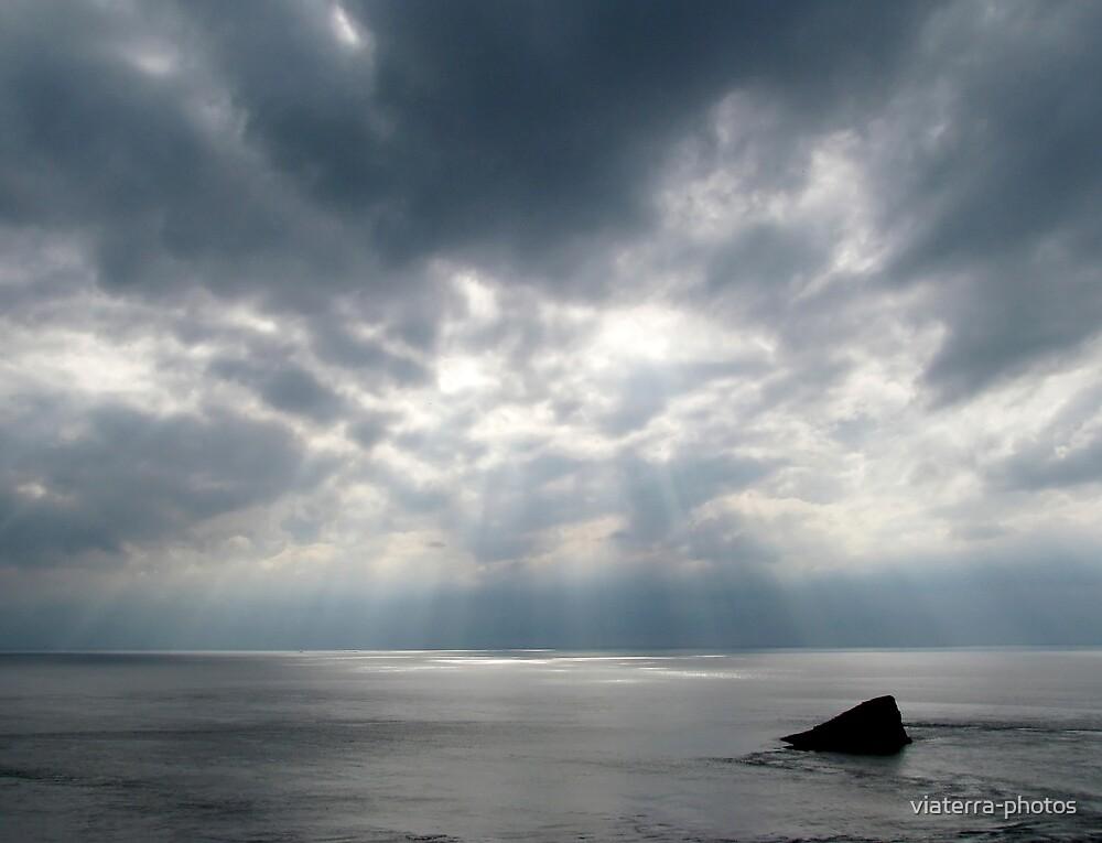 Sunrays through the clouds by viaterra-photos