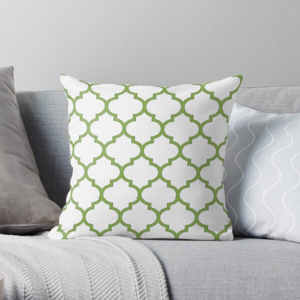 PANTONE COLOUR OF THE YEAR 2017 GREENERY DOMES QUATREFOIL GEOMETRIC PATTERN BY OZCUSHIONSTOO Throw Pillow