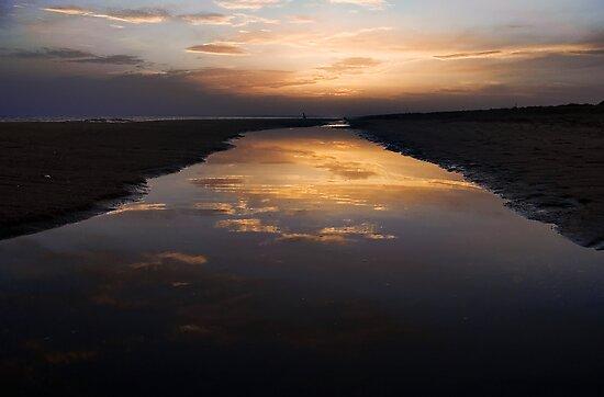 Playa de Punta umbría by F. J. Márquez