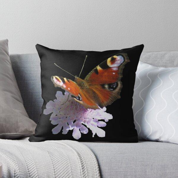 zauberhafter Schmetterling, Pfauenauge, Blume, Blüte, Sommer, Sonne Dekokissen