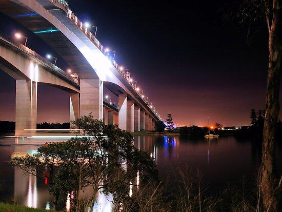 Gateway Bridge by W E NIXON  PHOTOGRAPHY