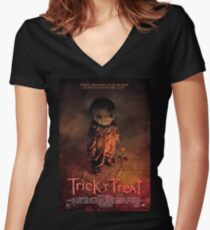 Trick 'R Treat Women's Fitted V-Neck T-Shirt