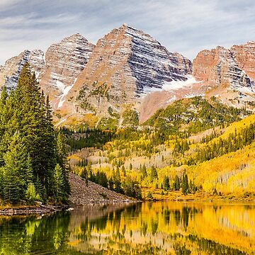 Reflections at Maroon Lake by glasere