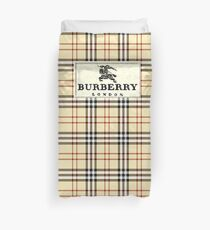 burberry and fashion mark jen Duvet Cover