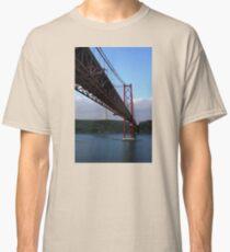 25 De Abril Bridge Classic T-Shirt