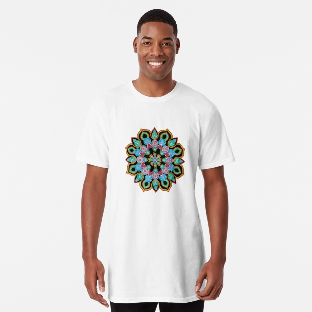 Red Star Dot Mandala - Art&Deco By Natasha  Long T-Shirt
