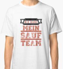 drinking team Classic T-Shirt