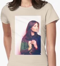 Clara Oswin Oswald (Doctor Who) Women's Fitted T-Shirt
