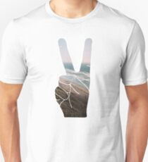 Peace Hand Beach Good Vibes Tumblr Vintage Love Instagram Print T-Shirt