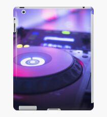 House dance music dj deejay turntable mixing desk nightclub party Ibiza iPad Case/Skin