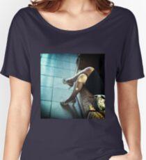 Sinnliche hohe Absätze des jungen Rockes der jungen Dame, die Analogfoto c41 35mm heiraten Loose Fit T-Shirt