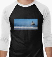 Fishing boat sunk. Men's Baseball ¾ T-Shirt
