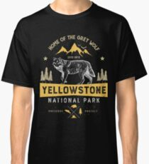 Yellowstone T shirt National Park Grey Wolf - Vintage Gifts Men Women Kids Youth Classic T-Shirt